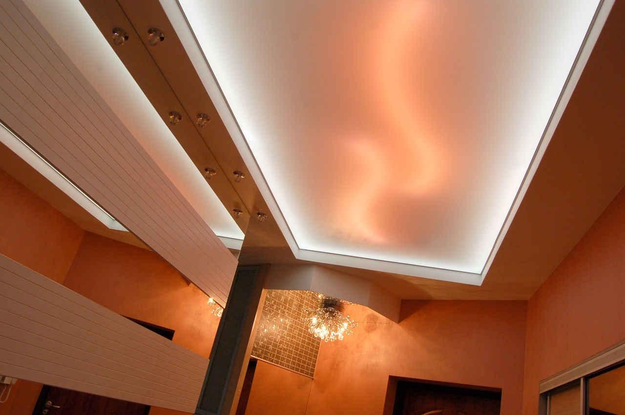 Светопропускной натяжной потолок