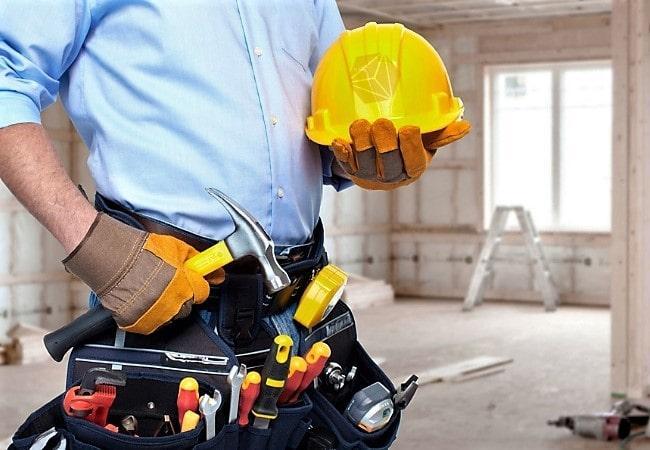 Обслуживание дорогостоящих инструментов влияет на цену за 1 кв м ремонта квартиры
