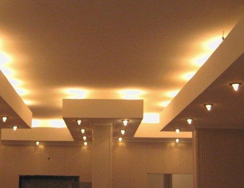 Монтаж светильников в потолок из гипсокартона Петербург