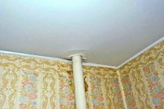 Пример некачественного оформления потолка