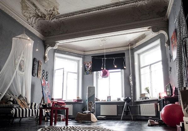 Комната в коммунальной квартире в старом фонле СПб