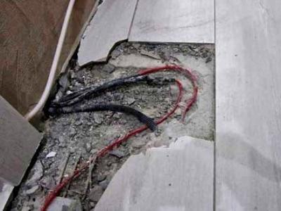 Сложно бывает понять, что именно сделал мастер-электрик, ...