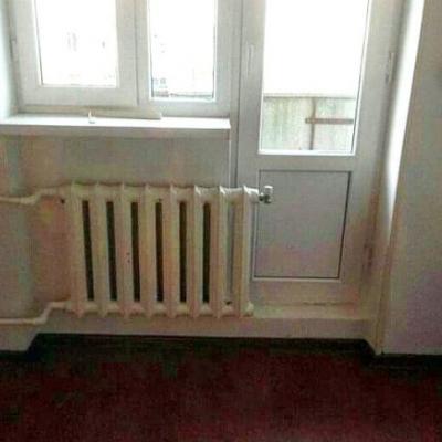 Зимой теплее, а вот велосипед на балкон ставить будет сложновато.