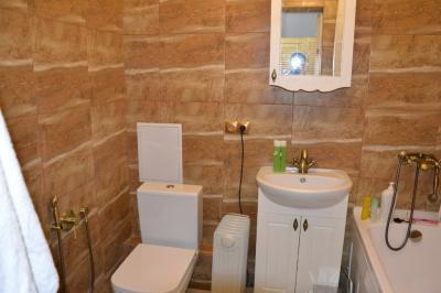 Дизайнерский ремонт ванной комнаты под ключ, установка сантехники