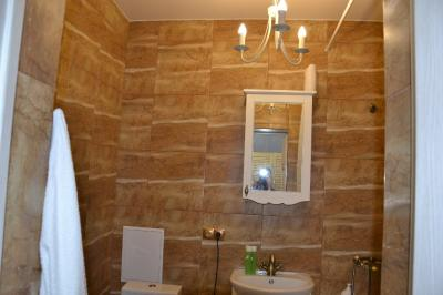 Дизайнерский ремонт ванной комнаты под ключ, настенный кафель