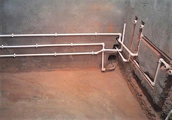 Разводка полипропиленовых труб в ванной СПб