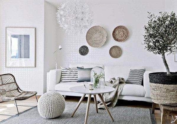 Светлая и уютная гостиная зона в 1-комнатной квартире