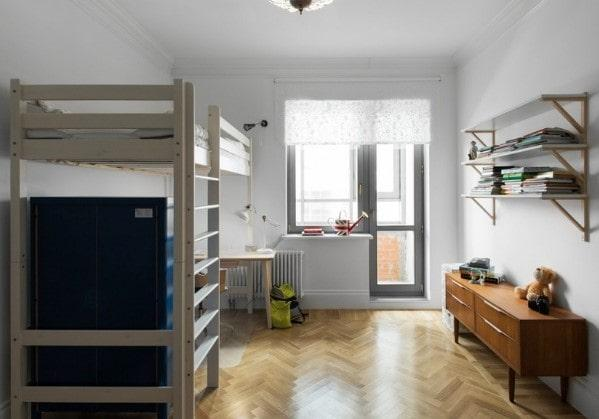 Детская комната с кроватью на втором ярусе