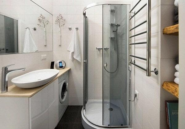 Современная ванная комната с душевой кабинкой