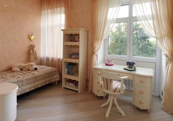 Детская для девочки в 3 комнатной квартире в классическом стиле