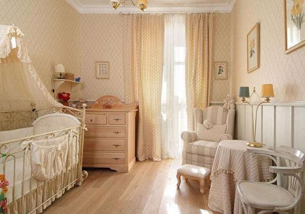 Детская в классическом стиле в четырехкомнатной квартире
