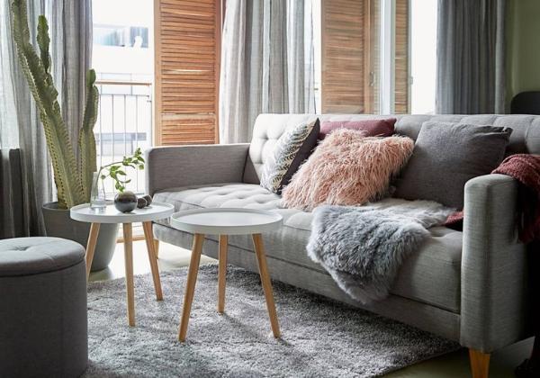 Уютная гостиная в четырехкомнатной квартире