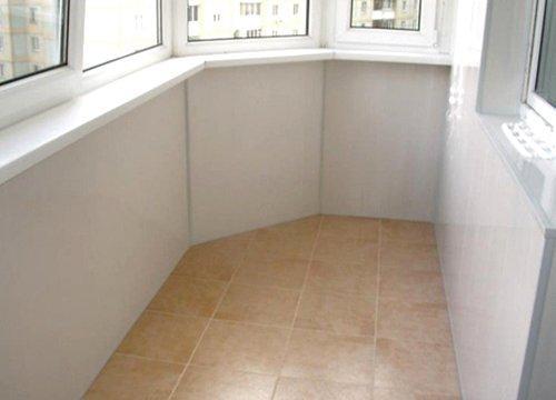 Ремонт балкона напольня плитка СПб