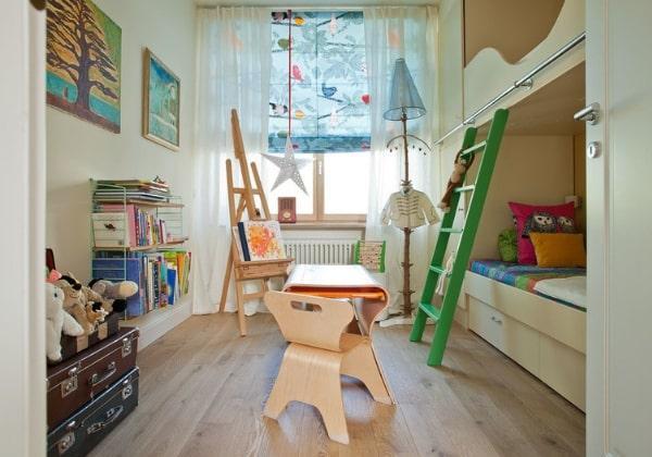 Ремонт маленькой детской для двух девочек, двухъярусная кровать освободила много места для занятий и развлечений