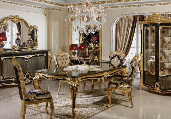 Столовая в стиле Барокко, светлая отделка резко контрастирует с тёмными элементами мебели, придавая комнате весомости