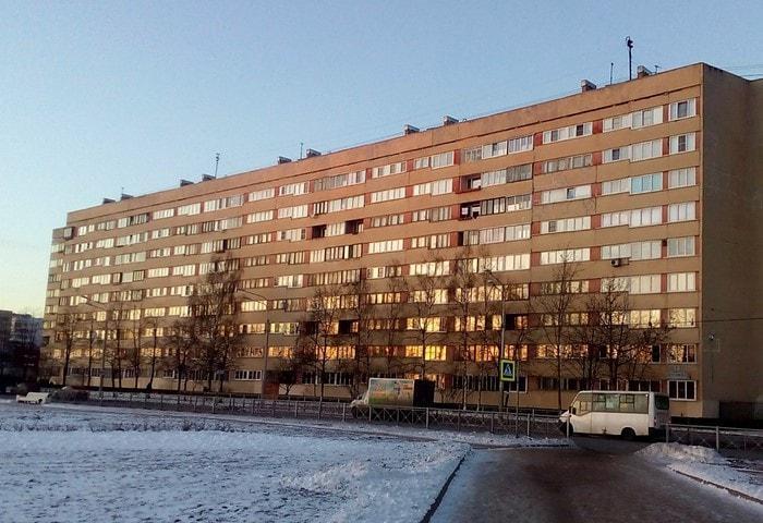 Типовой дом 600 серии на Петергофском шоссе, Санкт-Петербург