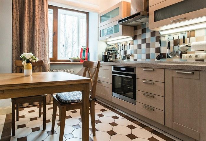 Ремонт кухни в Корабле в тёплых цветах