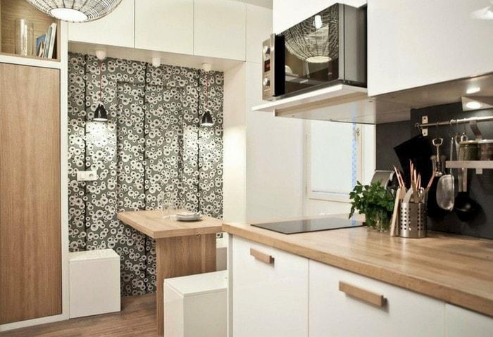 Отличный пример грамотной работы с цветовыми акцентами, визуально все зоны выделены, выглядят самостоятельными, при этом кухня выдержана в одном стиле