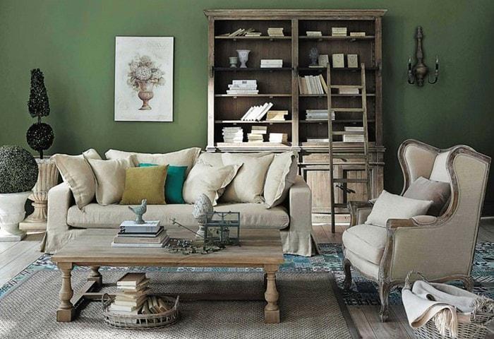 Ремонт комнаты в стиле Прованс, зелёные стены, контрастная светлая винтажная мебель