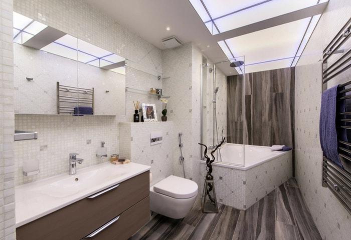 Ремонт ванной в стиле Хай-тек с комбинацией нескольких видов плитки